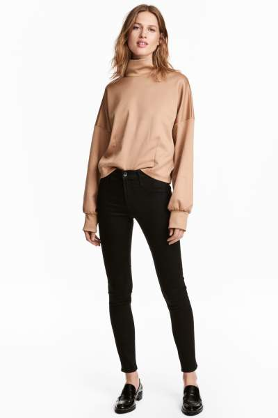 Rose gold turtleneck sweatshirt black thin ankle boots