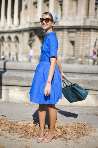 Royal blue midi dress with fit and flare with light pink kitten heel pumps