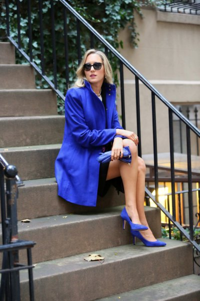 Royal blue long trench coat heels of the exact same color