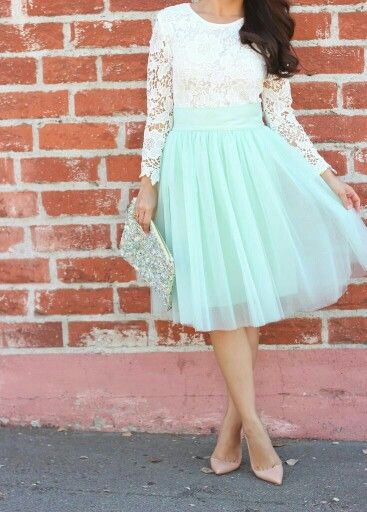 Ligth green mint tulle skirt, lace crop top. | Pretty dresses .