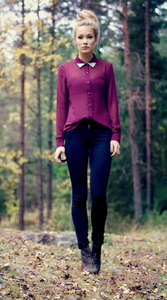 Chiffon shirt with a semi-transparent collar and dark blue skinny jeans