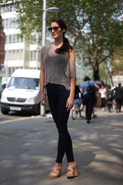 transparent blouse with black tank top and skinny jeans