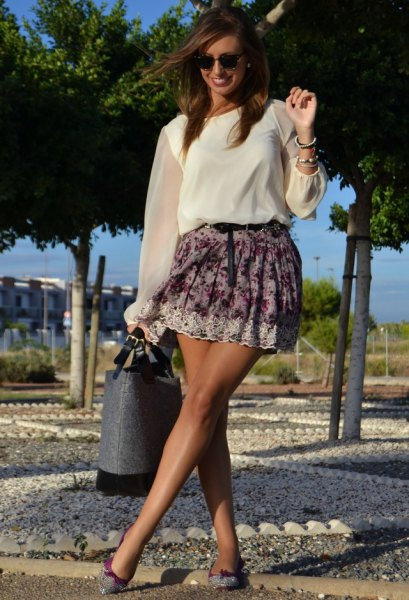 Flower skirt made of white chiffon blouse with transparent sleeves