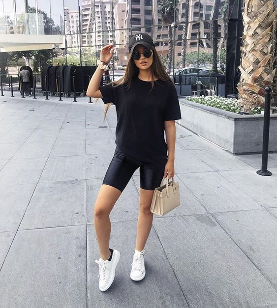 Short Leggings Outfit Ideas for Ladies – kadininmodasi.org in 2020 .