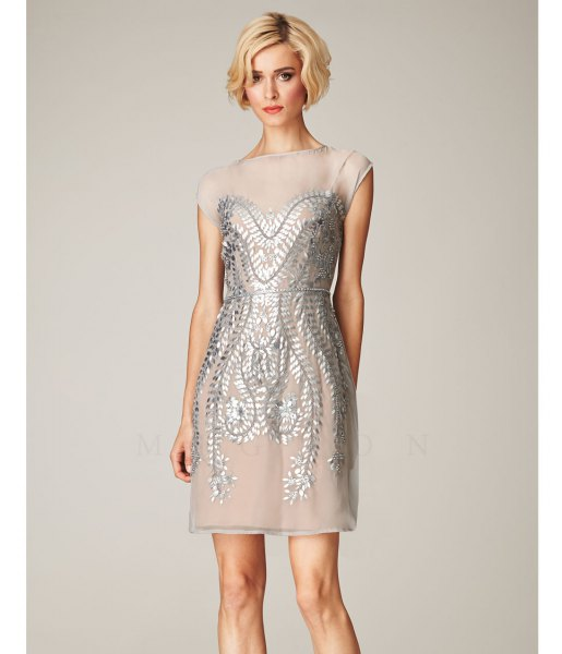 Mini gatsby dress made of silver chiffon and sequins