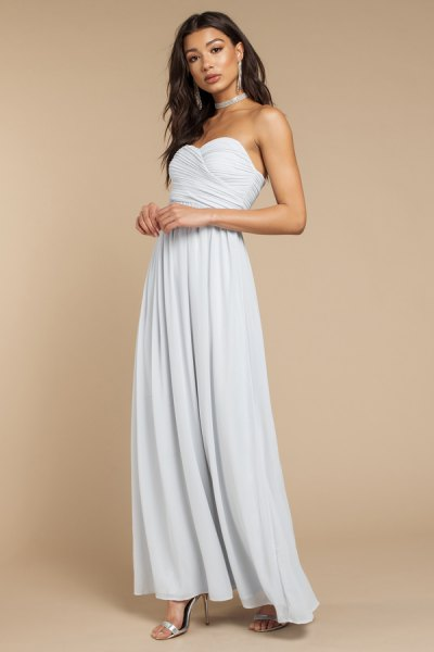 silver choker with light blue maxi dress with sweetheart neckline
