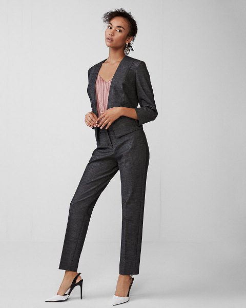 Slim fit suit with striped V-neck and white heels