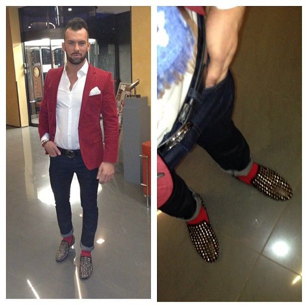 Red blazer & socks & spiked loafers | Loafers outfit, Business .