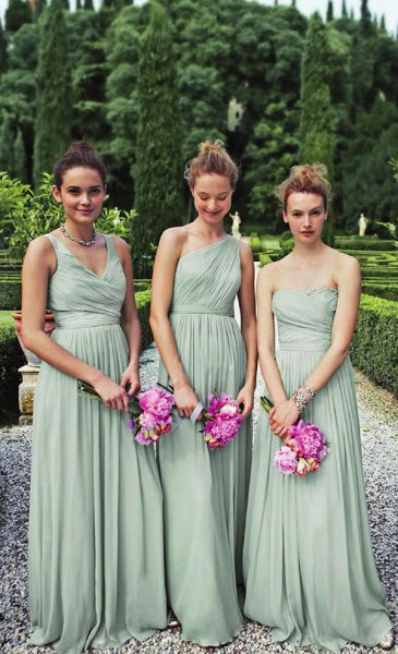 Strapless, pleated, floor-length dress made of chiffon mint green chiffon