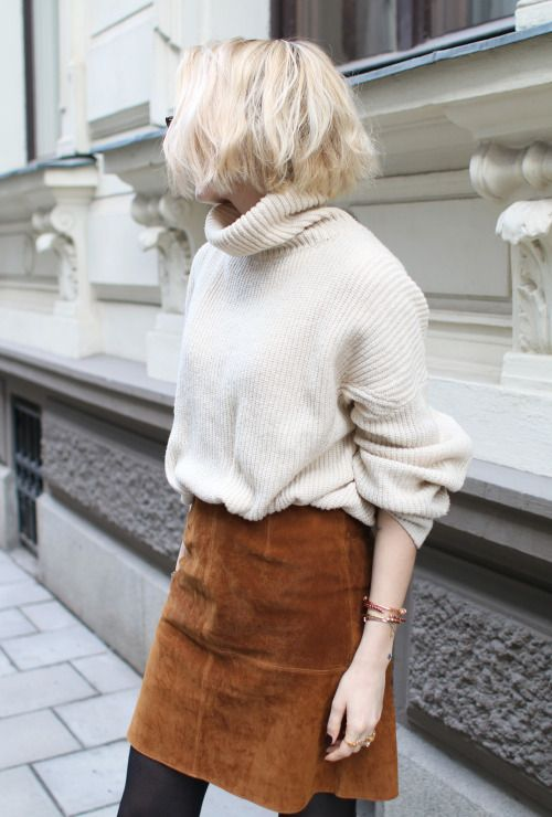 oversized sweater made of suede skirt