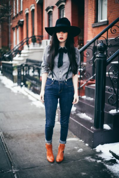 Suspender jeans with a gray bow tie