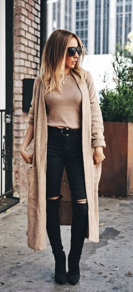 Light brown ribbed sweater with a long brown, light brown cardigan