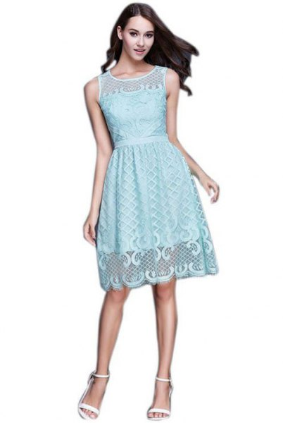Knee-length dress made from ruched lace at the waist
