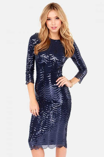 Bodycon sequin dress with three-quarter sleeves