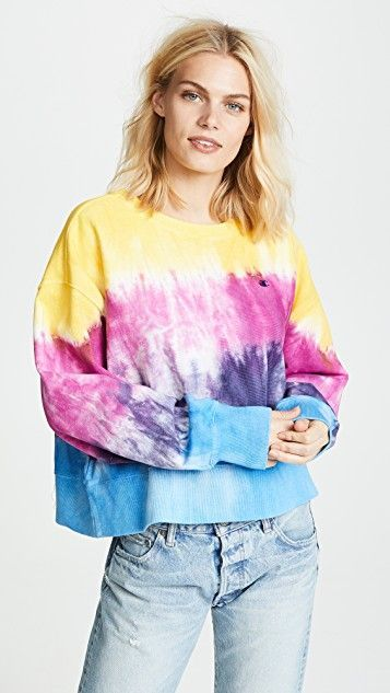 15 Tie-Dye-Shirt Outfits You Will Actually Like | Who What We