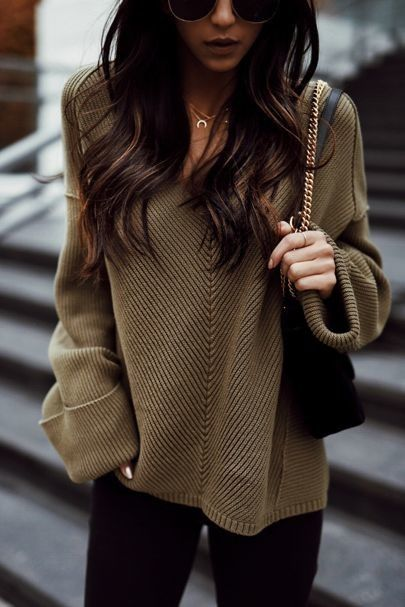 V-neck sweater brown and black