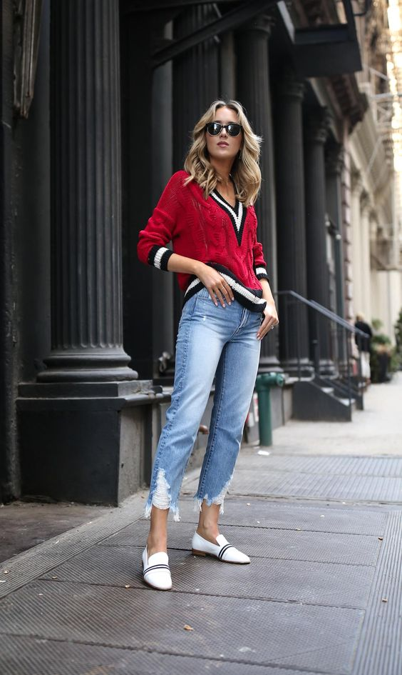 V-neck sweater red tennis