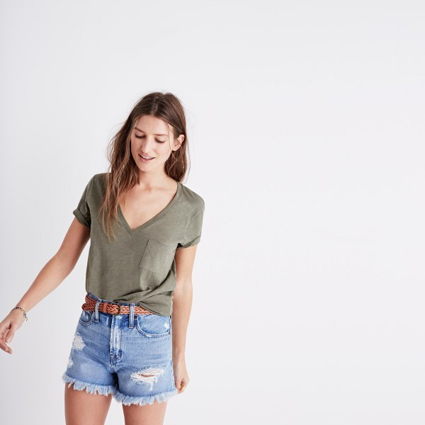 V-neck T-shirt and blue mini denim shorts