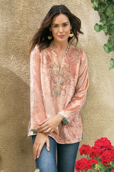 Velvet tunic decorated in delicate pink