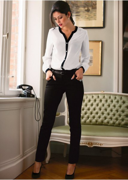 Skinny pants made of white and black chiffon blouse