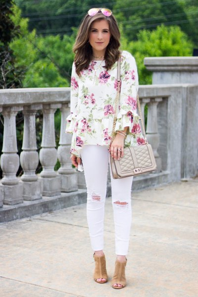 white blouse with pale pink skinny jeans