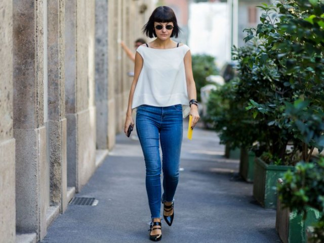 white skinny jeans with chiffon cap sleeves