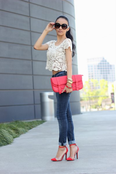 white, short lace t-shirt with skinny jeans