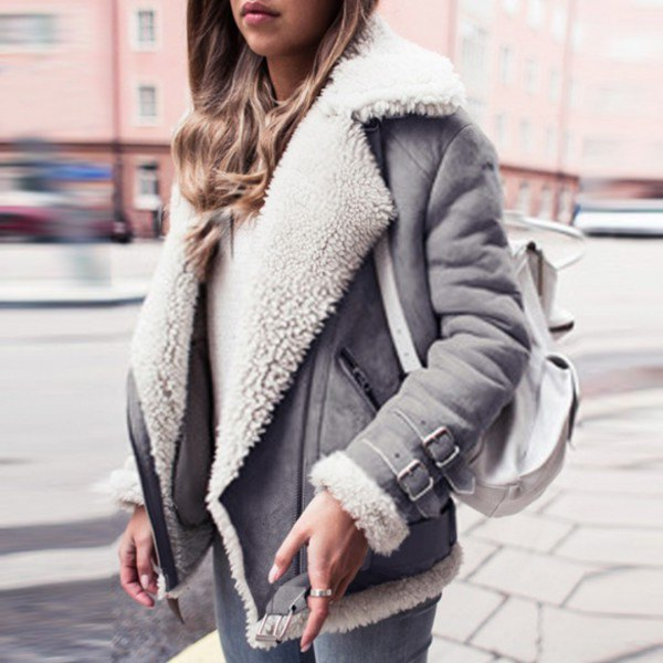 white suede biker jacket with faux fur collar and skinny jeans