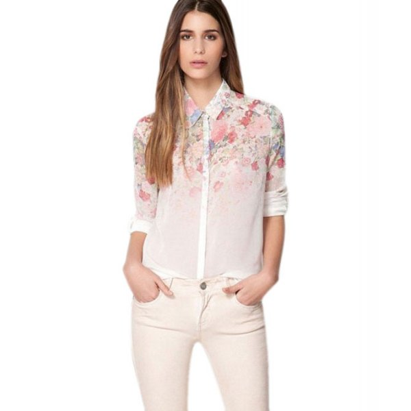 Skinny jeans made of a white chiffon shirt with a floral pattern