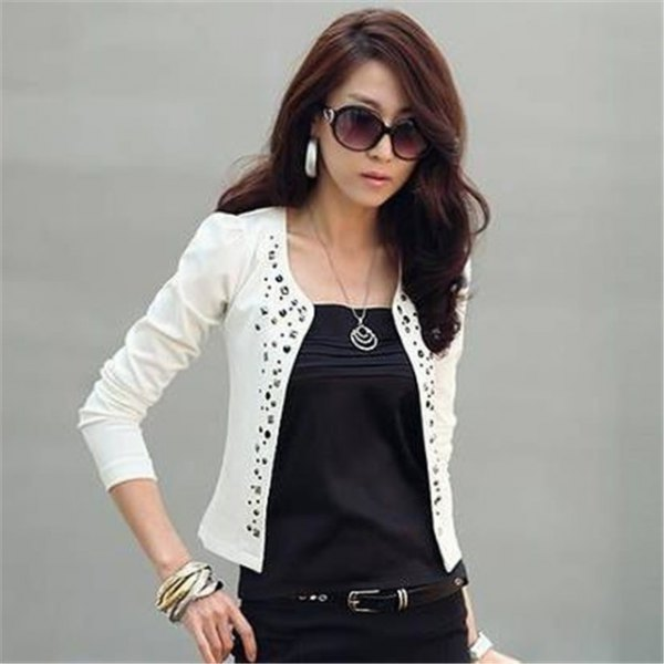 white cotton blazer with floral pattern neckline and black outfit