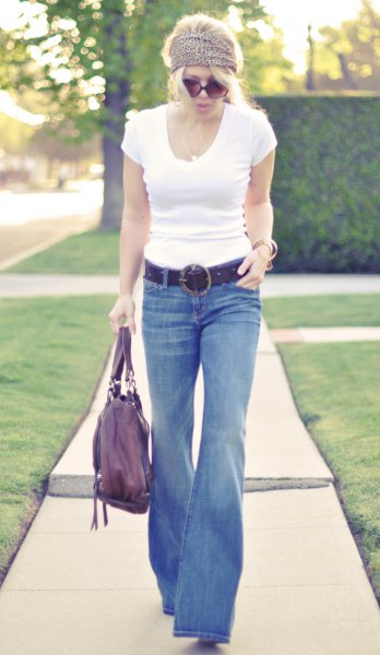 white figure-hugging t-shirt jeans