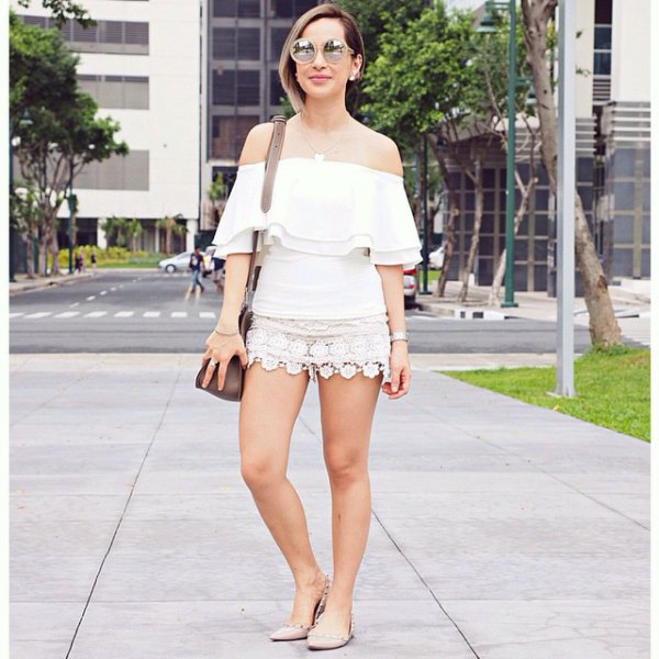 white strapless mini skirt made of lace