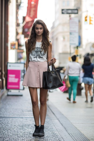 white print t-shirt pink skater mini skirt