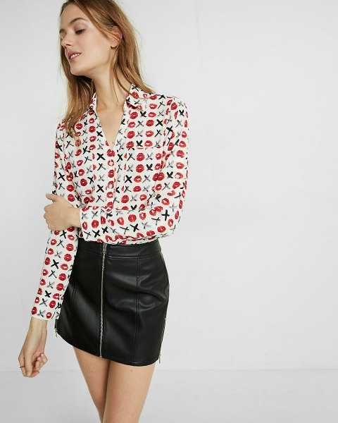 white printed shirt with slim fit and black leather mini skirt