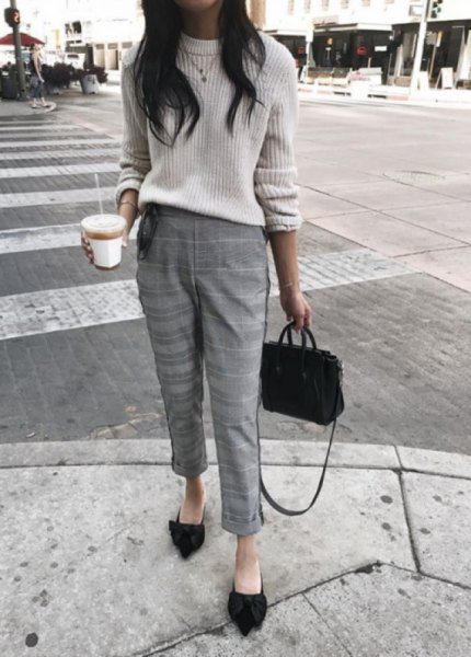 white, ribbed, thick sweater with cropped, checked, narrow-cut trousers