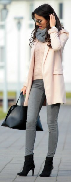 white ribbed sweater with gray skinny jeans and ankle boots with heels
