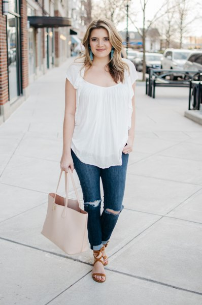 white skinny jeans with a frilled top