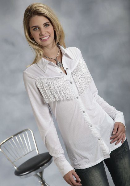 white, narrow-cut fringed shirt with jeans