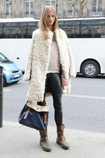white teddy coat over the shoulders, leather gaiters