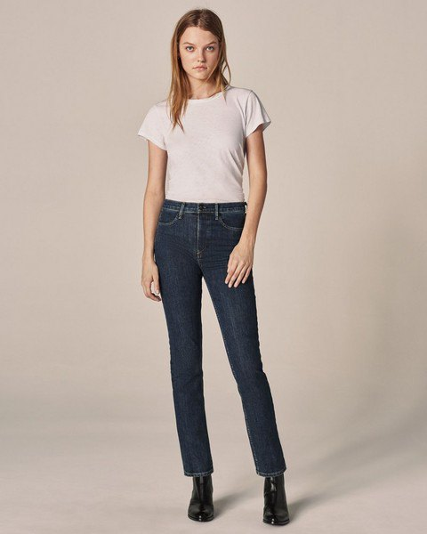 white high-waisted t-shirt jeans