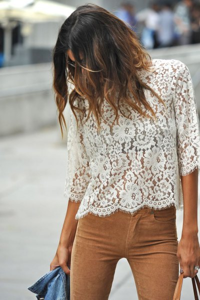 white three-quarter-sleeved lace trousers made of camel suede