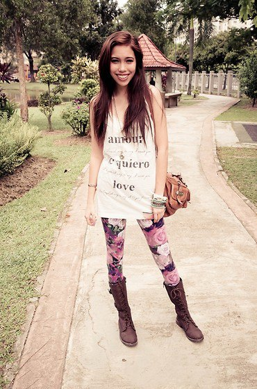 graphic gray tank top with tunic and leggings with floral pattern