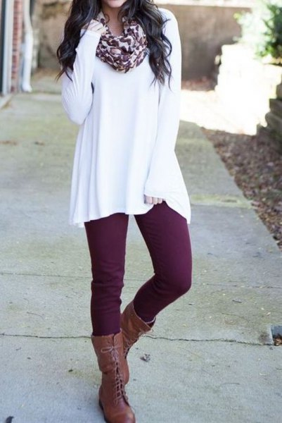 white tunic sweater with scarf with leopard print and gray lace-up boots