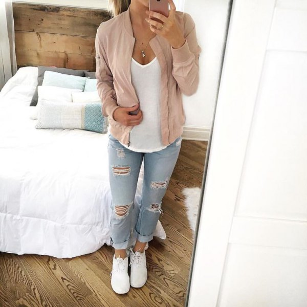white vest top light blue ripped boyfriend jeans