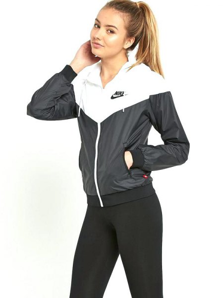 Windbreaker with black skinny jeans with a high waist