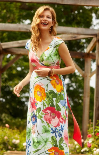 Midi chiffon dress with yellow and white Hawaiian print