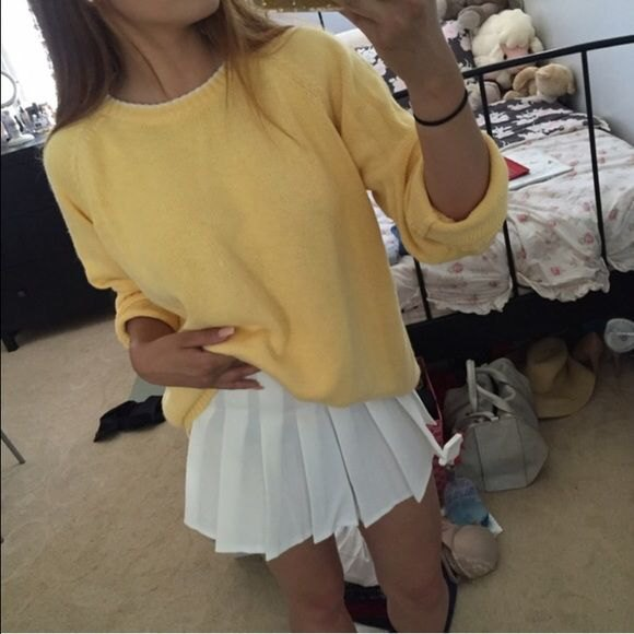 yellow knitted, chunky sweater outfit