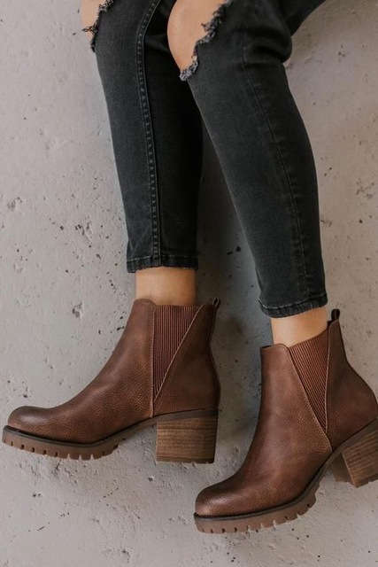Zipper Boots Outfit Ideas for Women – kadininmodasi.org in 2020 .
