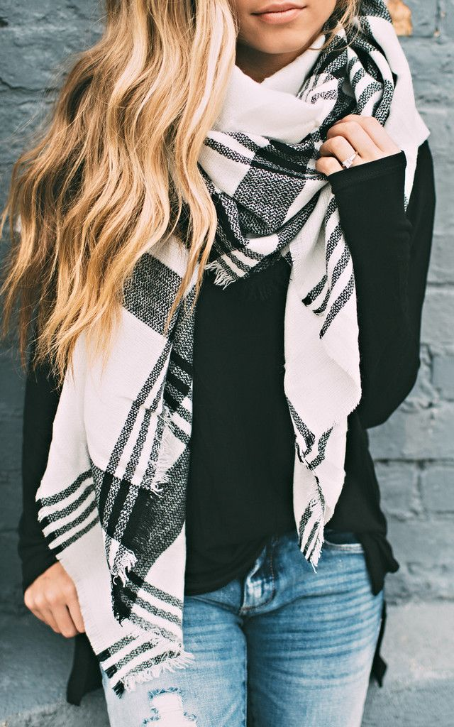Black And White Scarf Outfit Ideas