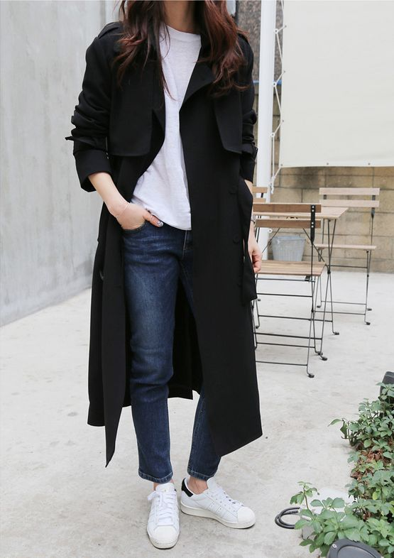 Black Duster Coat Outfit Ideas